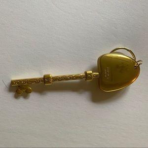 Disney Other - NWOT Magic Kingdom Key Keychain